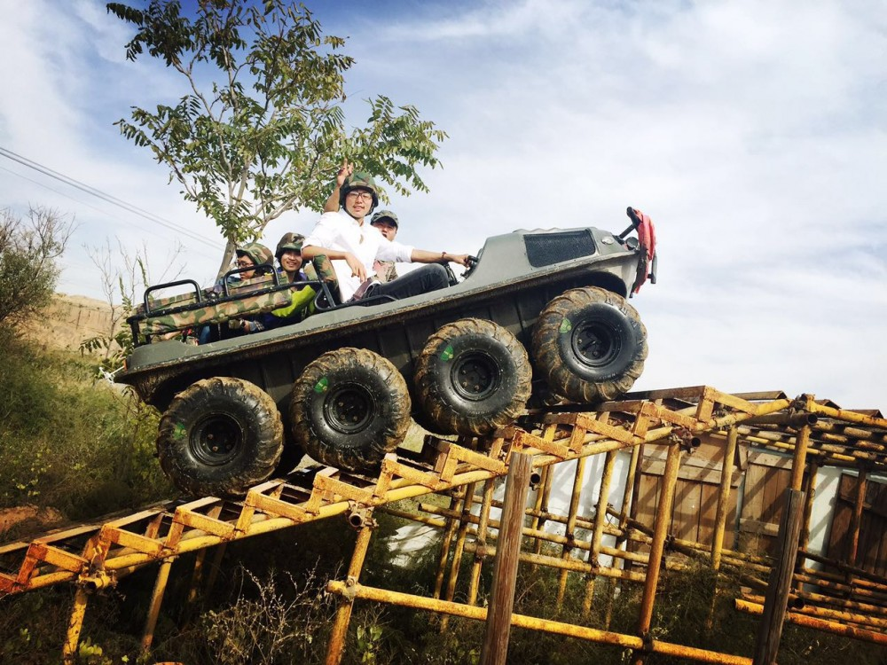 银川旅游景点水洞沟两栖战车