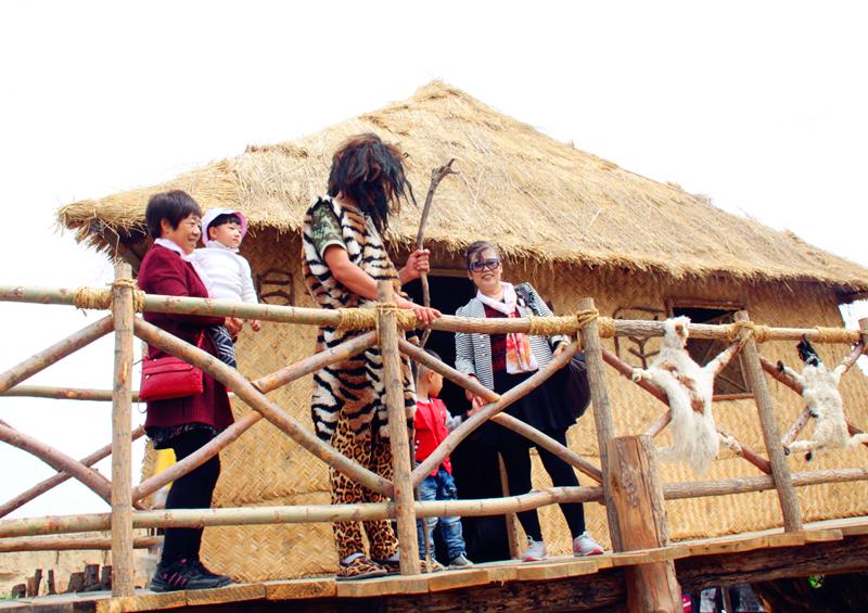 银川旅游景点水洞沟考古体验区酋长树屋