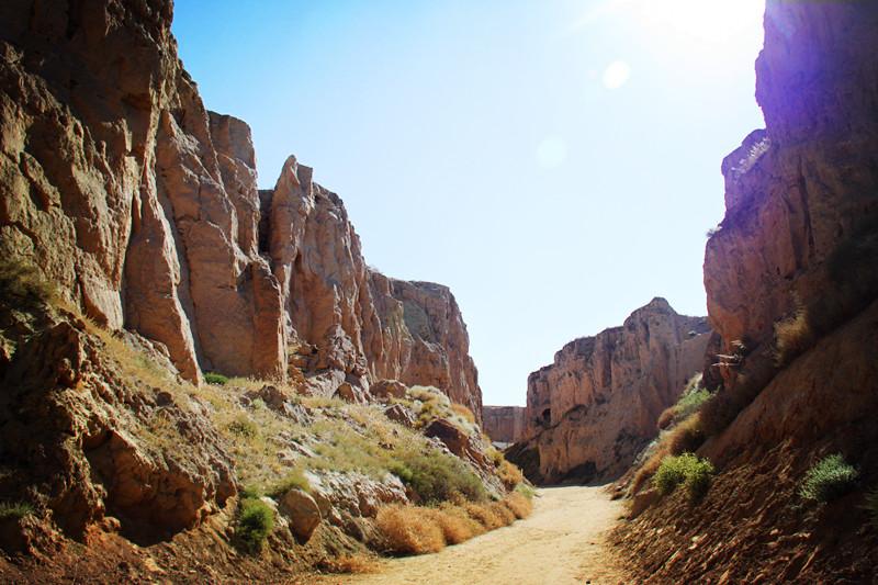 宁夏旅游水洞沟藏兵洞大峡谷