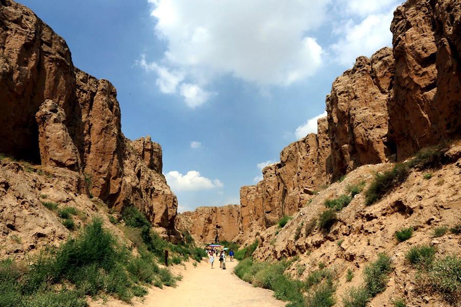 宁夏旅游景点水洞沟神奇的大峡谷