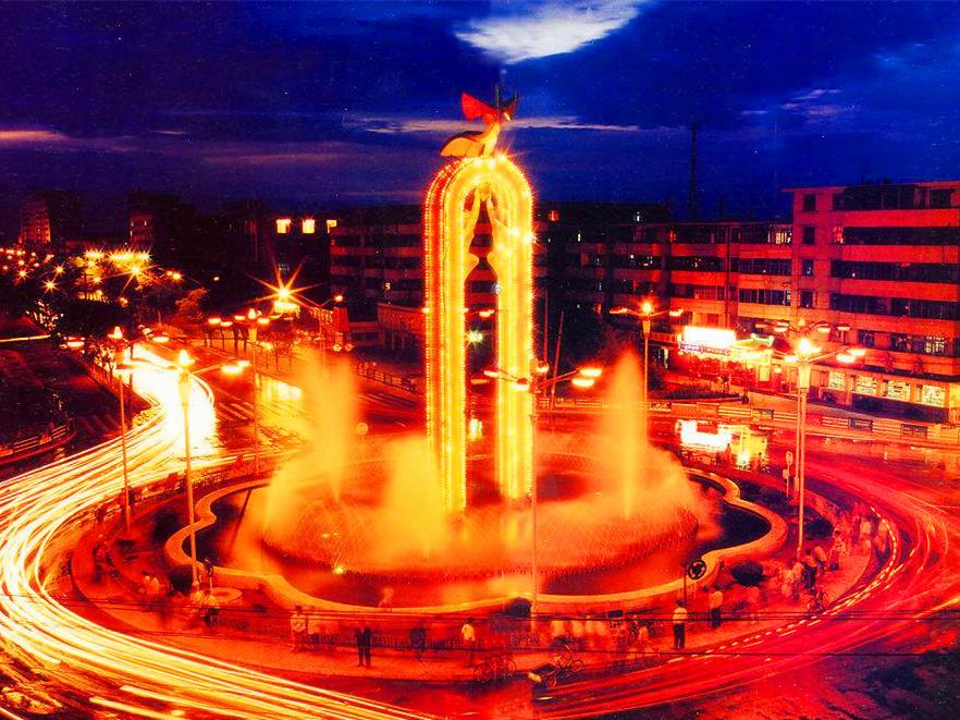 银川凤凰街纪念碑