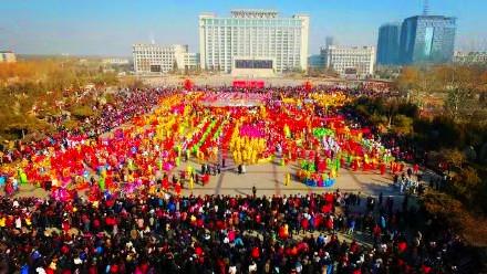 银川人民广场社火表演