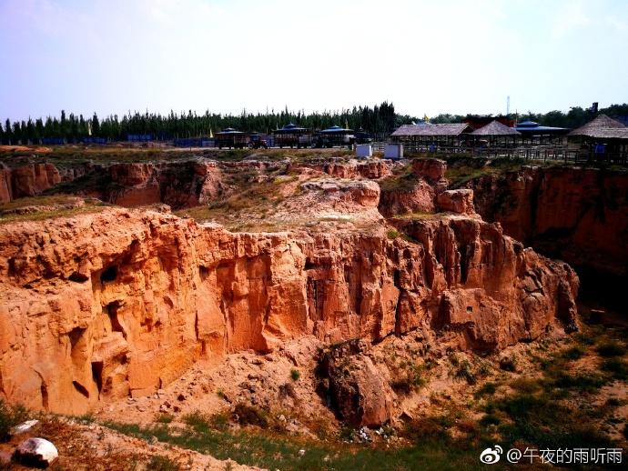 宁夏旅游景点水洞沟游客拍摄美图