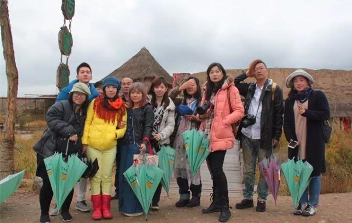 台湾旅游达人在宁夏水洞沟旅游