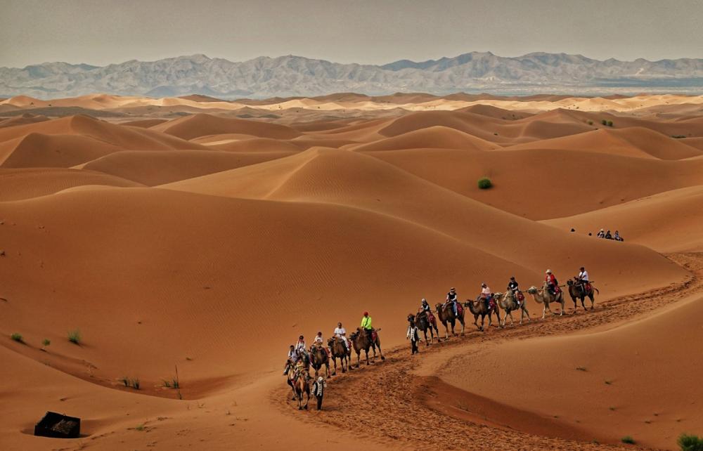 宁夏旅游腾格里沙漠