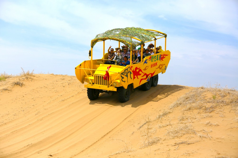 沙漠冲浪车